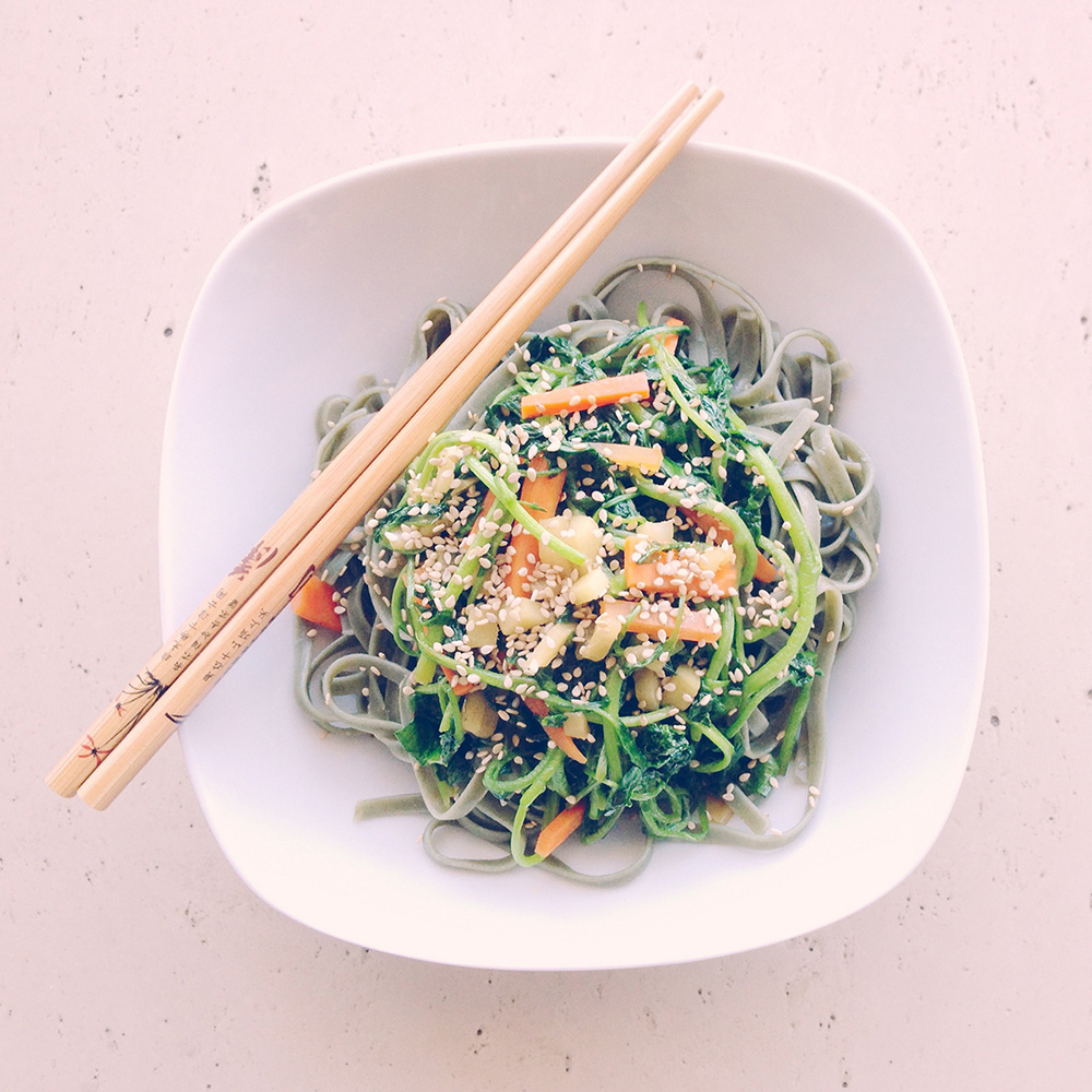 Spirulina Asian Noodles with Spinach, Tofu and Ginger.